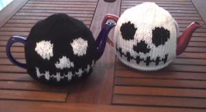 skull-tea-cosies